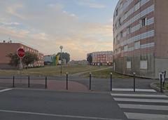 STOP (Le Charbonneur) Tags: publichousing cithlm suburbanparis banlieueparisienne essonne grigny grandeborne