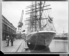 MAGDALENE VINNEN alongside Number 2 wharf in Woolloomooloo, Sydney, March 1933