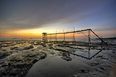 pantai jeram.. (TOREX PHOTOGRAPHY) Tags: sunset sea seascape reflection beach water landscape nikon sigma 1020mm jeram twop d90 torex t0rex pantaijeram