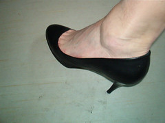 5689444757_6845f4043b_z (grandmacaon) Tags: pumps highheels stilettos lowcut talonsaiguille escarpins sexyheels hautstalons toescleavage