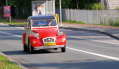 1986 Citroën 2CV6 Special (Vriendelijkheid kost geen geld) Tags: citroën 2cv hilversum noord