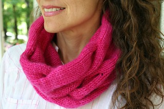 Tuesday Night Cowl pattern by Susan Lawrence