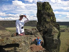 on Umatilla Rock (jcoutside) Tags: bankslake grandcouleedam grandcoulee basalt dryfalls steamboatrock sunlakesstatepark iceagefloods mosescoulee umatillarock