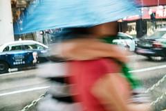 打伞的情侣-Couple under umbrella (jdleung) Tags: road blue rain umbrella walking couple taxi sigma macau 情侣 路 雨 澳门 蓝色 伞 的士 行走 适马 dp2s