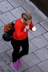 From Above (josephzohn | flickr) Tags: girls people glass fromabove icecream vskor tjejer mnniskor uppifrn brahegatan