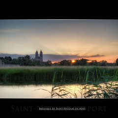 Basilique - Saint Nicolas de Port (AKfoto.fr) Tags: sunset nature field birds canon champs tamron 54 oiseaux basilique meurthe 550d 175028 saintnicolasdeport