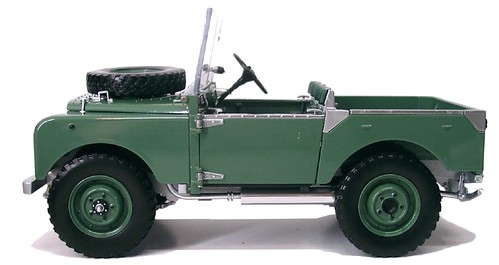 Minichamps Land Rover (7)