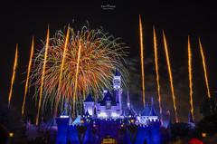 Disneyland Firework Show - 4771 (DaisyYeung) Tags: show california ca usa castle night photography nikon colorful long exposure time fireworks disneyland disney daisy anaheim nikkor yeung 1024mm d7000 daisyyeung daisyeung