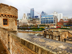 View from The Tower of London (photphobia) Tags: tower toweroflondon london castle castillo fortress city oldwivestale cityoflondon outdoor architecture buildings building buildingsarebeautiful thesquaremile leadenhallbuilding gherkin 30stmaryaxe tower42