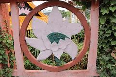 Le lotus aux billes de verre (So_P) Tags: lotus bouddhisme pagode svres tinh tam