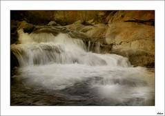 Dejando fluir la vida (V- strom) Tags: texturas luz agua recuerdos seda largaexposicin naturaleza nikon paisajes ro vida