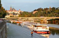 Ranní projížďka na kole (roj czech) Tags: praha prague voda aqua vltava řeka loď ship most bridge praguecastle pražskýhrad cycling