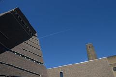 flying high (UnprobableView) Tags: manuelmiragodinho unprobableview tatemodern london londres herzogdemeuron architects architecture