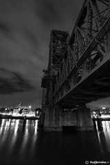 "Rotterdam ""De Hef"" shrouded in darkness (Thijs Tennekes) Tags: city bridge netherlands river harbor rotterdam september experience brug maas 2012 thijs unilever noordereiland hef thys koningshavenbrug koningshaven tennekes hefexperience hefdehef"
