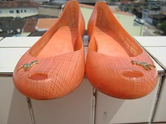 VENDIDA - Melissa Ultragirl + Bambi - n°36 (desapegosdaesther) Tags: laranja melissa bambi bazar brecho ultragirl