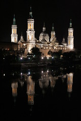 Zaragoza Cathedral (CarlesReig) Tags: espaa church pilar night ro river lights mirror luces noche spain basilica iglesia zaragoza ebro canoneos350d notripod iso1600 saragossa barroco cpula catlica pilarica esglesia rococ sigma18200 neoclsico 110s catedralbaslicadenuestraseoradelpilardezaragoza