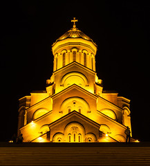 Sameba Cathedral, Tbilisi (Dr. Harout) Tags: architecture night zeiss georgia cathedral tripod streetphotography za tbilisi manfrotto holytrinity amount carlzeiss sameba 322rc2 dyxum 055cxpro3 distagont224 distagont224zassm