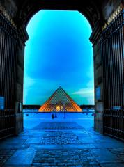 The proposal (JellyFishKiller) Tags: love gate pyramid amour porte mariage proposal pyramide pyramidedulouvre