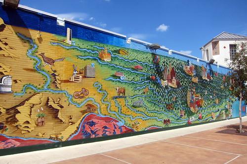 Austin - UT: Renaissance Market - Austintatious Mural
