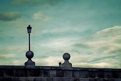 Cielos de Madrid (_Zahira_) Tags: madrid blue sky azul clouds puente lafotodelasemana luces farola olympus cielo nubes l farol 50mmf18 e500 uro ltytrx5 ltytr2 ltytr1 50mmom