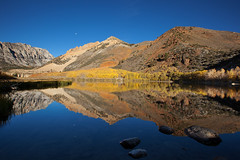 North Lake (Eastern Sierra) (Shawn S. Park) Tags: california moon reflection fall canon 5d bishop northlake 1635 easternsierra aspendell ef1635mmf28lii eos5dmarkii