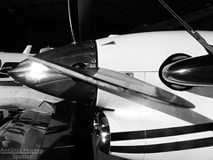 Blade (Antnio A. Huergo de Carvalho) Tags: blade p hlice aircraft airplane airport aviation aviao avio aviaogeral aviaoexecutiva beechcraft beech kingair king air superkingair c90 c90b b200 b350 ka350 blackandwhite