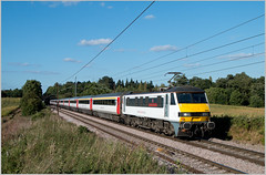 90012 - Dunston Hall - 8th September 2016 (Resilient741 Photography) Tags: class 90 abellio greater anglia loco electric locomotive hauled passenger train dunston hall norwich norfolk geml great eastern main line