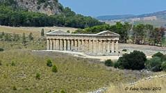 Tempio di Segesta #004 - Segesta's temple #004 (Fabio Criniti) Tags: nikon provincia occidentale sicilia 2012 segesta trapani tempio nikond3100 nikkorafs3518gdx fotoamoremio fabiocriniti
