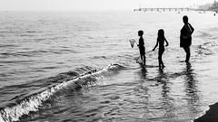 ... (narcisopantunez) Tags: españa beach spain sigma wave playa andalucia arena ondas ayamonte dp1