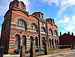 St Nicholas Greek Orthodox Church, Liverpool (ronramstew) Tags: uk england church architecture liverpool religious religion christian mersey builder 2012 sumner greekorthodox merseyside princesavenue princesroad 2010s berkleystreet
