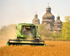 Brampton Ontario - combine harvester in action in front of Saint Elias the Prophet church (edk7) Tags: autumn ontario canada fall church field rural countryside catholic farm country harvest crop combine agriculture ukrainian brampton 2012 d300 edk7 sainteliastheprophet