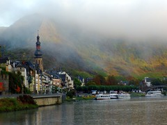 Cochem aan de Moesel in the morning (Virtual Vastgoed) Tags: city urban skyline architecture germany cities historic cochem mosel