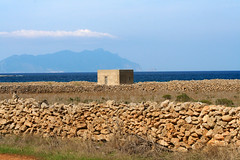 Favignana (vanto5) Tags: travel blue sea sky italy panorama cloud beach architecture landscape europe italia mare peaceful sicily canoneos350d paesaggio favignana isoleegadi canonef24105mmf4lisusm mygearandme