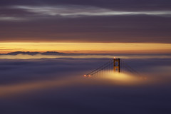 NOT MY PHOTO!!! (Alicia Garcia4) Tags: sanfrancisco california city longexposure day2 winter sky color fog clouds sunrise canon lights earlymorning hills goldengatebridge bayarea eastbay february 2010 ef70200f4l lateforwork hawkhill tuesdaymorning nofilters crazybeautiful rollingfog twodaysinarow 5dmarkii morethanicansay