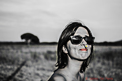 Lisa (Stefano Del Pianta) Tags: red bw parco white black yellow del 35mm nikon lisa bn giallo da nikkor sole pino rosso bianco nero margherita rayban stefano occhiali pianta maremma zeni labbra principina delpianta secolare