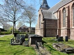 kerkhofje NH Kerk Nieuwer ter Aa (bcbvisser13) Tags: kerk church kerkhof cemetery gravestones grafstenen dorp village nieuwerteraa stichtsevecht provincieutrecht nederland eu