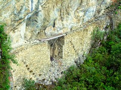 Machu Picchu - Puente Inca (Frank Plamann) Tags: machu picchu peru inca sacred valley puenteinca incabridge machupicchu