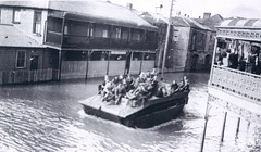 Maitland, N.S.W., June 1949 flood (maitland.city library) Tags: maitland newsouthwales floods flood flooding boats floodboats water 1949 army dukw duck rescue folder 3