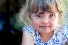 smile (G.NioncelPhotographie) Tags: photo portrait douceur regard fillette enfant