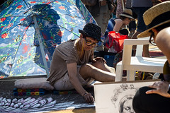 Street art (1) (Roberto Spagnoli) Tags: streetphotography streetartist ragazza girl color disegno drawing gessetto chalk madonnari curtatone fieradellegrazie 50mmcanon