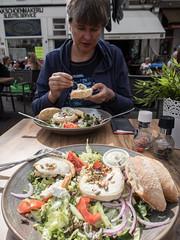 Geitensalade (Jeroen Hillenga) Tags: geitensalade haarlem terras eten lunch food salade joanne geitenkaas lekker tasty goatsalat goatsalad goatcheese eat