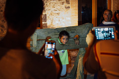 Milazzo, 2016 (Antonio_Trogu) Tags: italia italy sicilia sicily streetphotography candid urban antoniotrogu nikonafs35mm18 nikond3100 2016 milazzo pillory gogna girl young