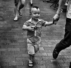 (-Faisal Aljunied-) Tags: faisalaljunied ricohgr singapore blackandwhite streetphotography monochrome kid hairstyle