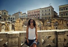 Anfiteatro Romano di Lecce (R.o.b.e.r.t.o.) Tags: lecce puglia italia italy teatro romano ragazza ritratto vento salento theatre archaeologicalsite romanamphitheatre