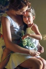 photo20 (memuza) Tags: family summer love geometric girl beauty canon mom women child emotion little daughter mother 85mm portret tender мама