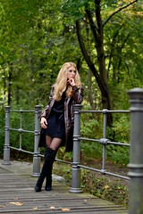 a22 (juergenberlin) Tags: woman sexy girl beauty fashion hair long blond mode nylon overknie