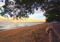 IMG_4915_the seascapes of pengkalan balak beach (achem74) Tags: trip travel sunset sun beach canon eos shorelines seascapes sundown places malaysia melaka masjid malacca tanah tanjungbidara masjidtanah pengkalanbalak canoneos550d eos550d rebelt2i kissx4
