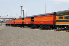 Daylight Cars (Flight Idle) Tags: southernpacific sp4449 railroadhistory gs4