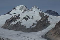 Mönch - Trugberg - Eiger ( Berg / Mountain ) + Grosser Aletschgletscher ( Gletscher / Glacier ) in der zur UNESCO-Weltnaturerbe erklärten Bergregion Jungfrau - Aletsch - Bietschhorn in den Alpen / Alps im Kanton Wallis / Valais in der Schweiz (chrchr_75) Tags: hurni christoph schweiz suisse switzerland svizzera suissa swiss chrchr chrchr75 chrigu chriguhurni 1210 oktober 2012 hurni121005 chriguhurnibluemailch kantonwallis kantonvalais wallis valais kanton grosser aletschgletscher grosseraletschgletscher gletscher albumgletscherglacier glacier jäätikkövaellus παγετώνασ 氷河 glaciar eis ice wasser water natur nature berge mountains alpen alps landschaft landscape schnee snow neige eiger bergeiger albumeiger berg mountain oktober2012 albumzzz201210oktober mönch kantonbern montagne ghiacciaio gletsjer albumgletscherimkantonwallis berner oberland