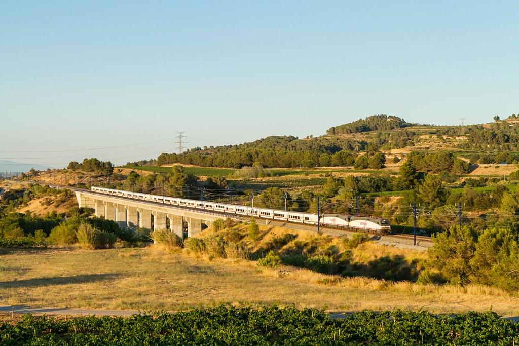 The world 39 s best photos of tren and trenhotel flickr for Barcelona paris tren hotel